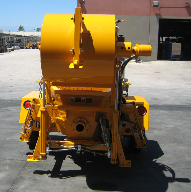 concrete pump with mixer attached